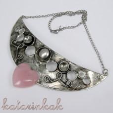 Cínovaný náhrdelník Afrodita s ruženínom